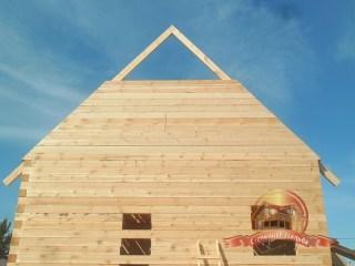 Четкая геометрия будущей крыши налицо