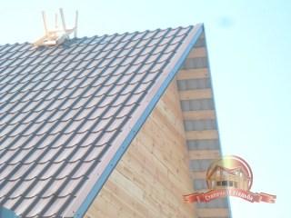 Можно устанавливать металлический конек крыши