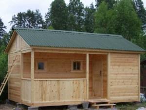 Небольшой дом для огородников