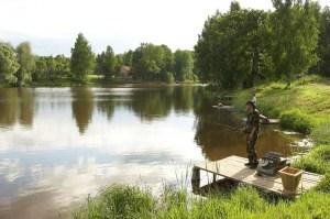 В поселках вдоль Куркинского шоссе активно развивается рыболовный отдых, улов здесь - что надо!