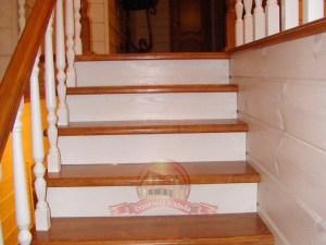 Подъем на второй этаж деревянного дома