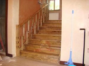 Нижняя часть лестницы крупным планом