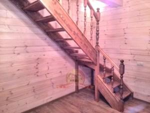 Вид сбоку, узкая лестница не занимает много места