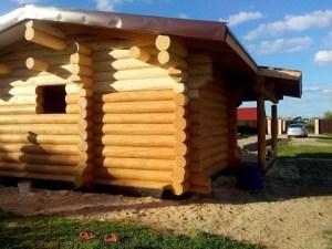 Шлифовка строения - важный этап во внешней отделке деревянного дома, стоит доверить это дело профессионалам