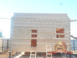 Вид с фасадной части здания