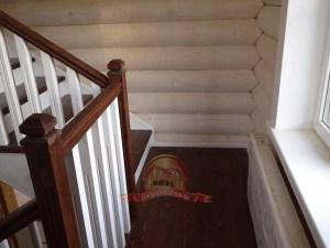 Удобная поворотная площадка лестницы