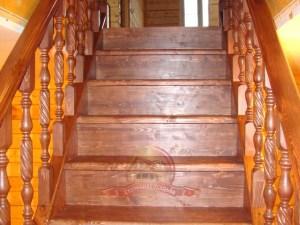 Комфортный подъем на второй этаж деревянного дома