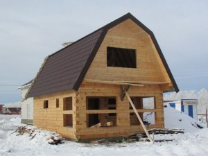 Строительство сруба из зимнего леса, профилированный брус