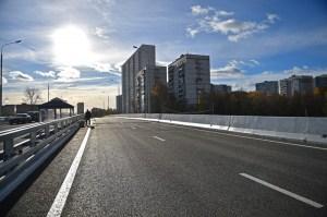 К тому же, захватывает самые прогрессивные районы столицы. Так, от урбанизации до девственной природы можно доехать по одному шоссе.