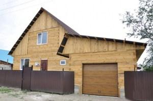 Строение из бруса - это эколокичный и эстетичный вариант постройки