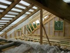 Утепление крыши производится в момент монтажа кровельного покрытия