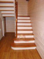 Деревянная лестница с поворотной площадкой 180 двухмаршевая